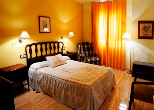 Habitacion-Individual-Hotel-Oasis (1)